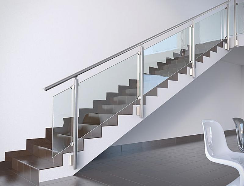 Maior la balaustra in alluminio e vetro - Finestre alluminio anodizzato ...